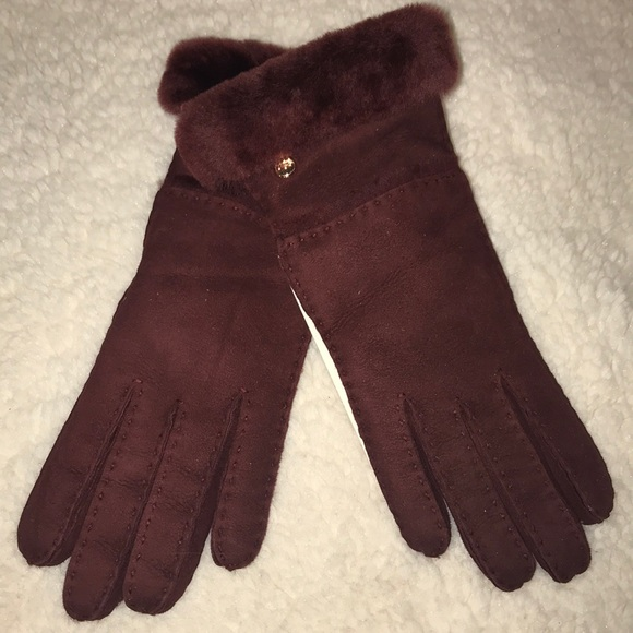 d22011d2d97 Ugg- women's sheepskin exposed slim tech glove NWT